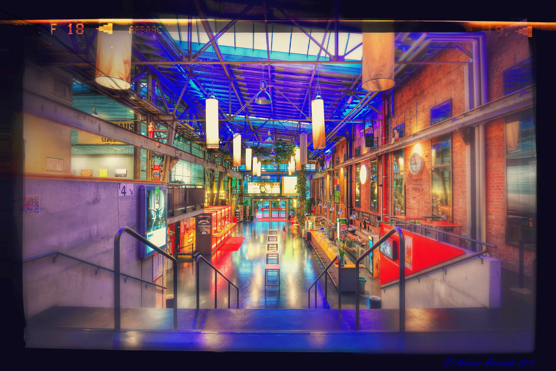 Theaterhaus_Foyer_ANiewienda_Titel